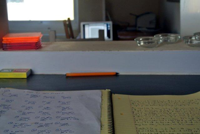mark desk(s)
