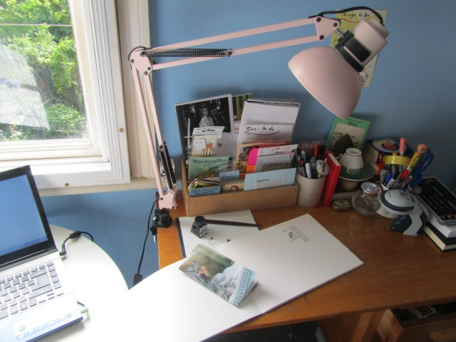 Alexis' desk (2)